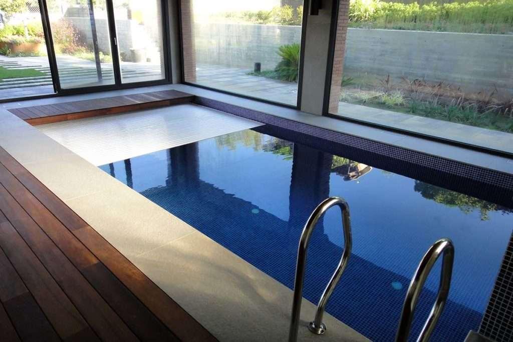 Construcci n de piscinas interiores de obra personalizadas for Piscina interior