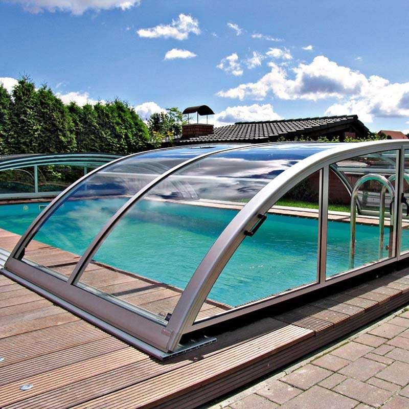Coberta telescòpica per a piscines. Augmentar i mantenir la temperatura de l'aigua de la piscina. Espai Piscines Graf.